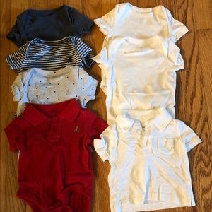 Baby gap shirt sleeve onesies and shirts 0-3 m